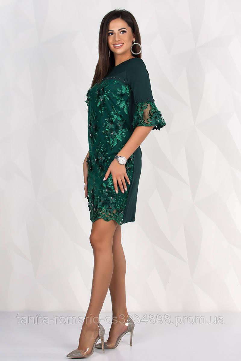 Коктейльное платье в цветочном кружеве зеленого цвета