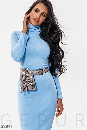 Комфортное повседневное платье-водолазка голубого цвета, фото 2