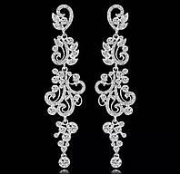 Красивые свадебные сережки серебряные со стразами белыми камнями горный хрусталь для торжества