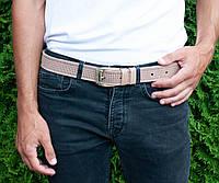Кожаный качественный бежевый ремень с тисненым орнаментом