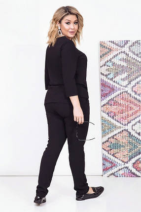 Женский костюм брючный однотонный с кулоном, черный. Размеры: 48, 50, 52, 54, фото 2