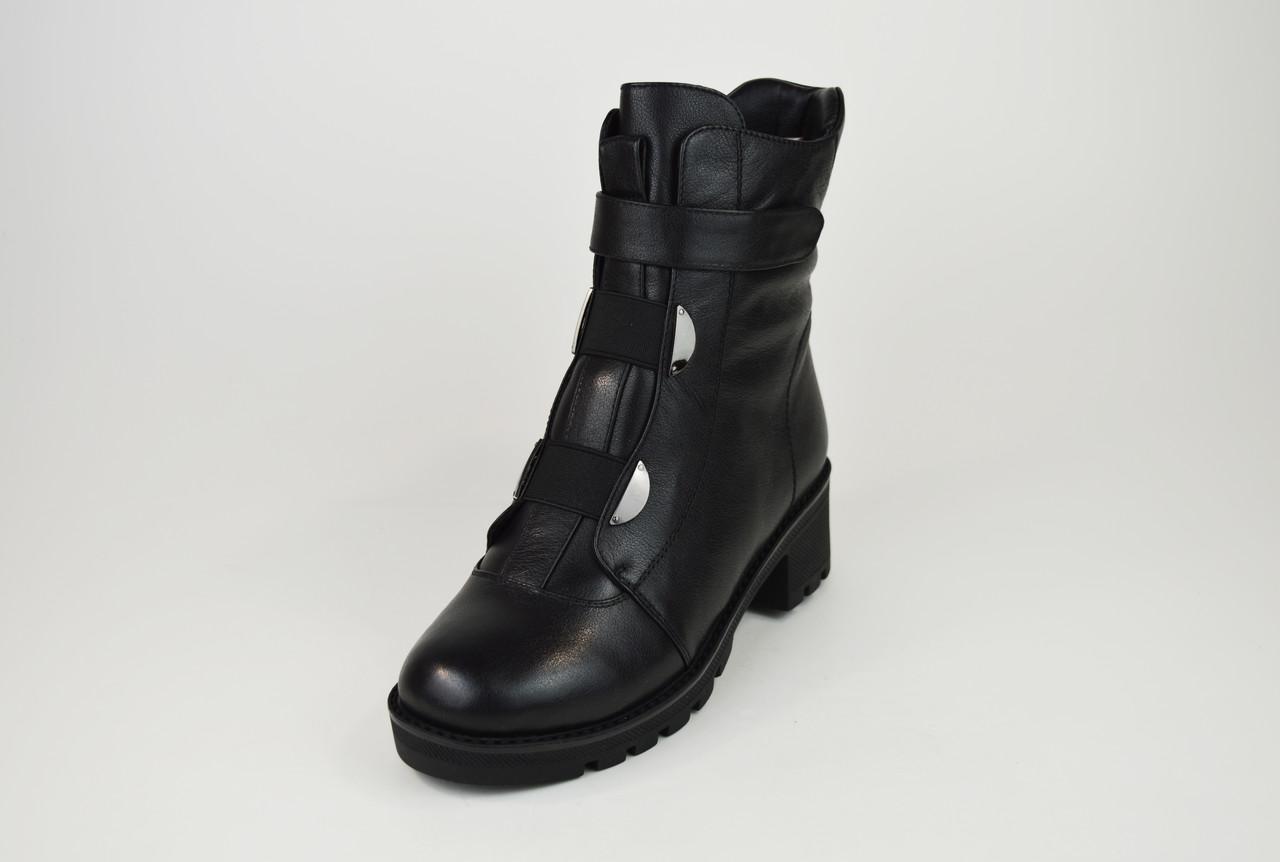 Ботинки зимние на каблуке кожаные 34,35 размеров Erises 808201