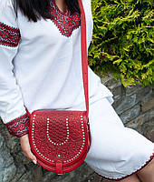 Женская кожаная сумка ручной работы полукруглая с металлом, фото 1
