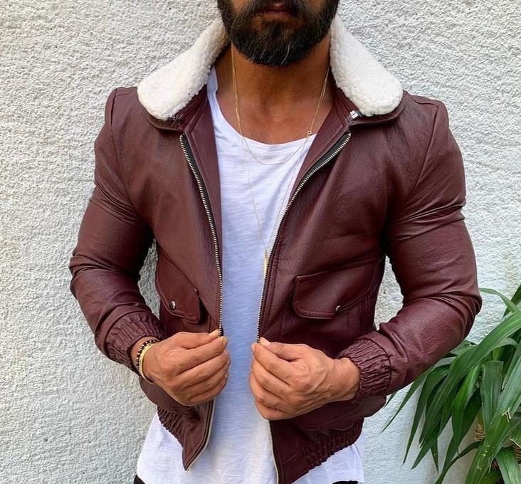 Чоловіча шкіряна куртка-косуха кожанка осіння весняна бордова з хутром. Фото в живу