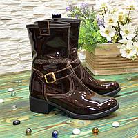 Ботинки женские демисезонные на маленьком каблуке, из натуральной лаковой кожи