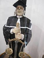 Эксклюзивная статуэтка Судья с весами правосудия. Авторская керамика