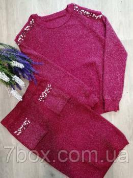 Женский вязанный костюм с юбкой. Малина