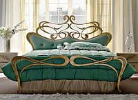 Кованая двуспальная кровать с мягким изголовьем Emerald.