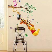 Виниловые наклейки на стены Винни Пух с друзьями на дереве