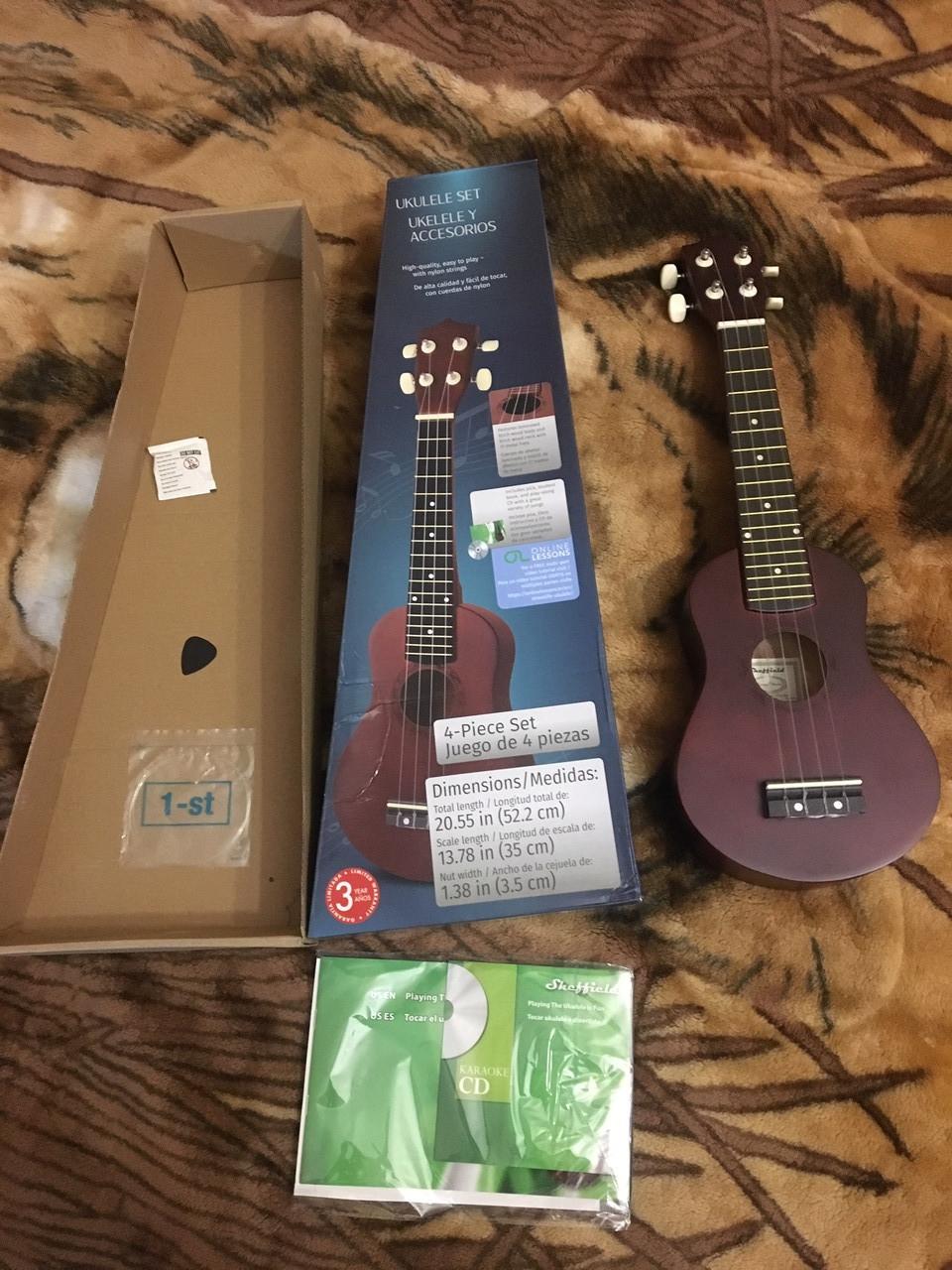 Гитара Sheffield Sopran Ukulele новая с Германии