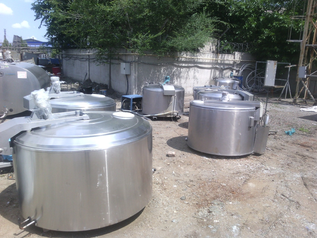 Охладитель молока открытого типа DeLaval 800 л б/у в 2006 г.в. в отличном состоянии
