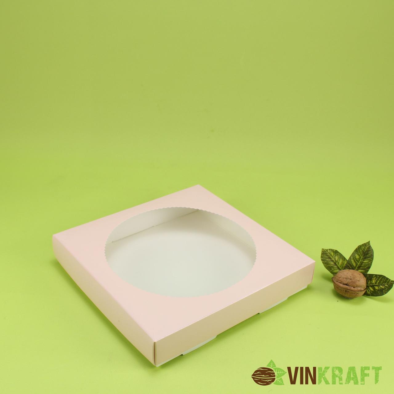 Коробка 200*200*35 для пряника с круглым окном, пудра