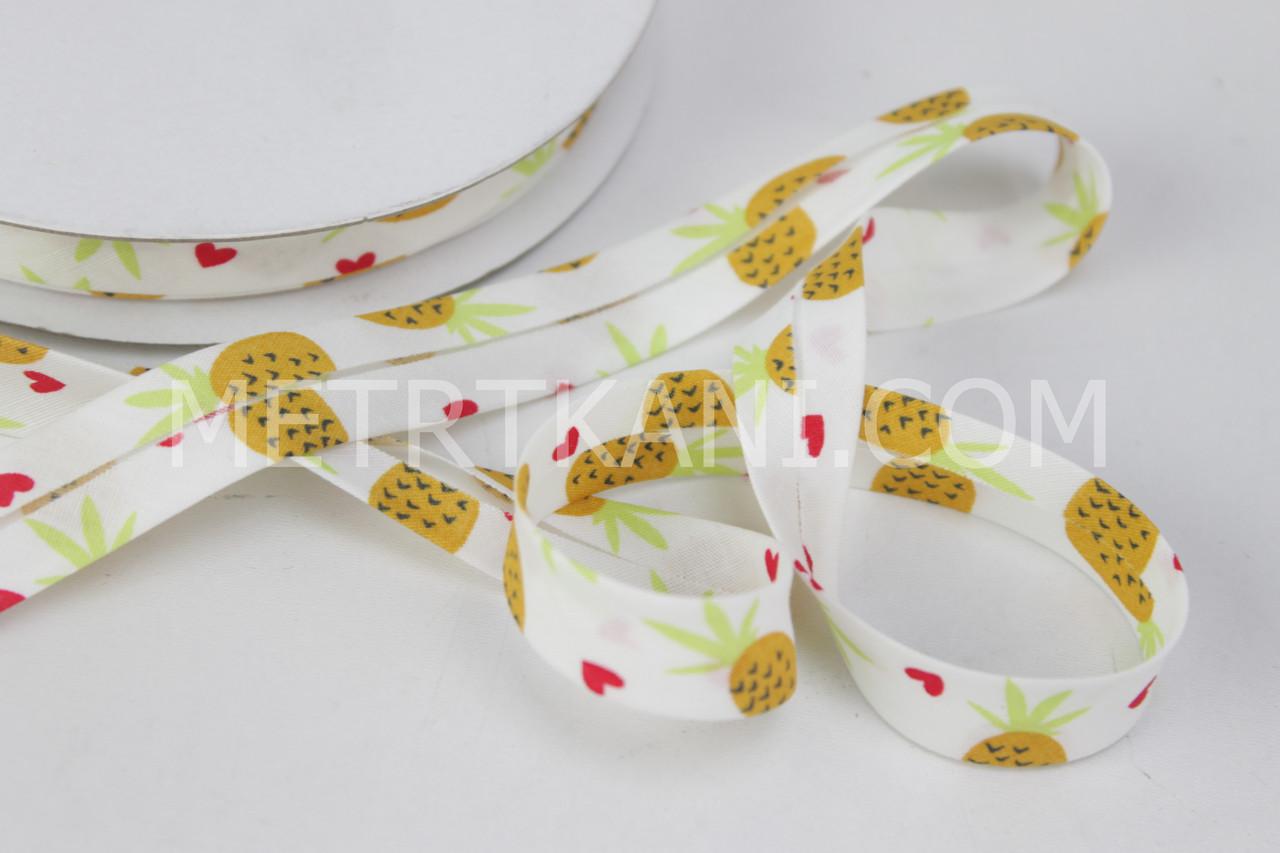Хлопковая косая бейка с ананасами на белом фоне,ширина 15 мм