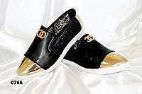 Туфли Chanel черные,золотой носок