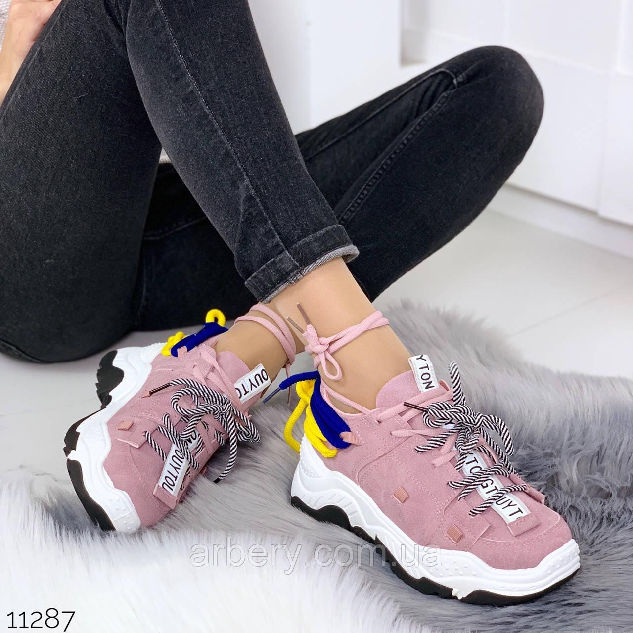 Женские кроссовки с двумя шнурками