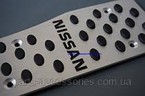 Автомобильные накладки Nissan