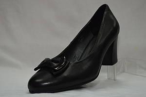 Туфли кожаные на устойчивом невысоком каблуке.  Erisses,  большие размеры