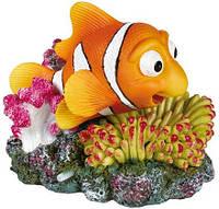 Декорация в аквариум Trixie рыбка на коралле(,12x10см)