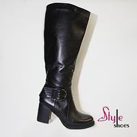 Сапоги женские зимние из натуральной кожи черного цвета на каблуке