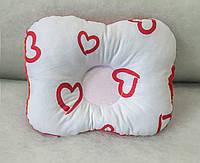 """Ортопедическая подушка для новорожденных """"красные сердца"""" с плюшем минки"""