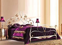 Кованая двуспальная кровать в классическом стиле Bohemia.