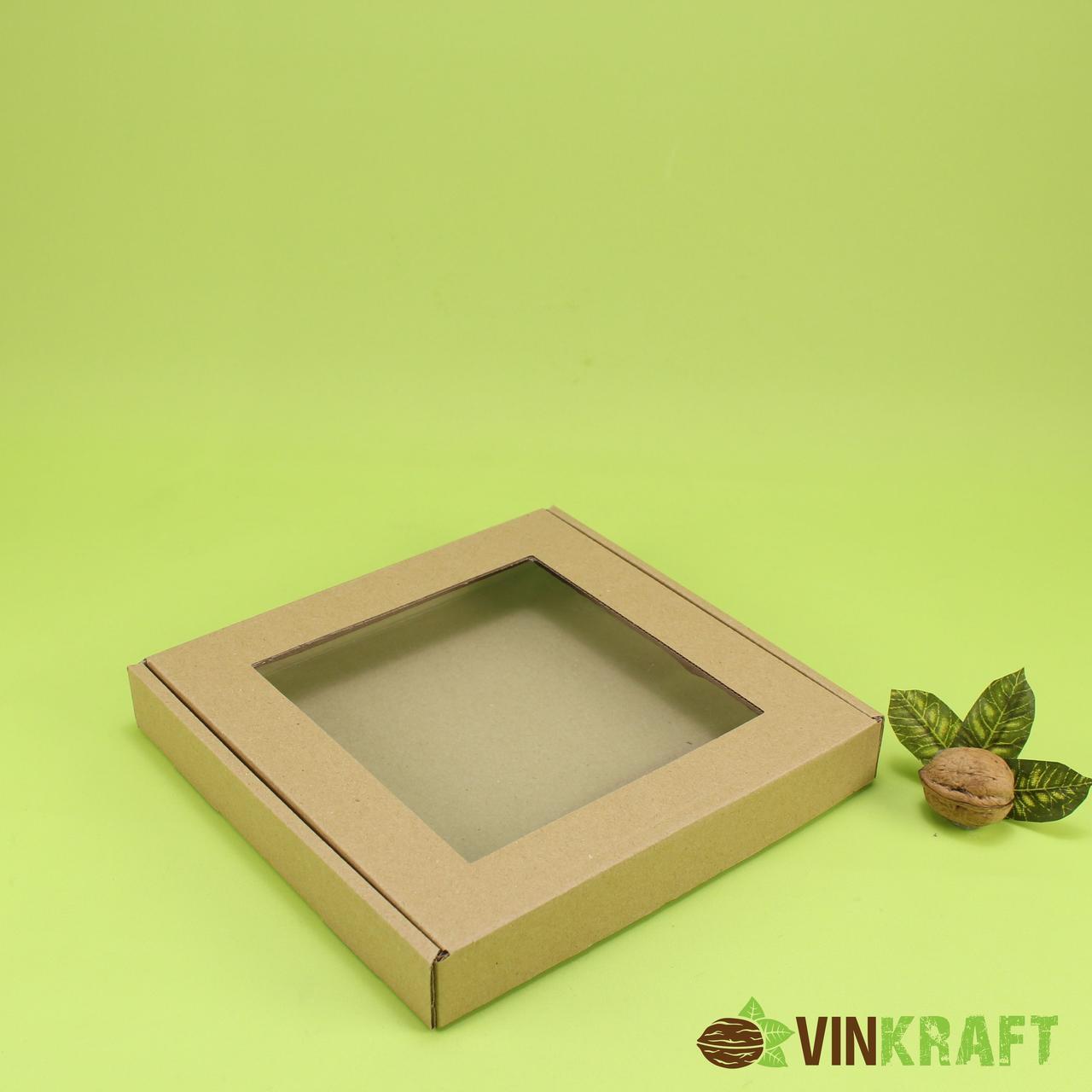 Коробка 200*200*30 для пряника з вікном (гофрокартон) крафт