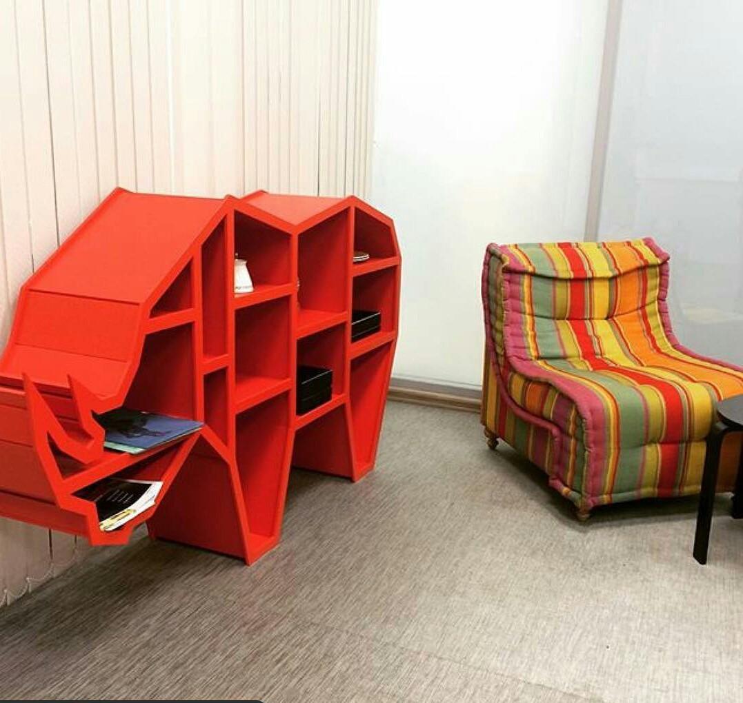 Мебель из натуральных материалов носорог. Полка 3D (красный)