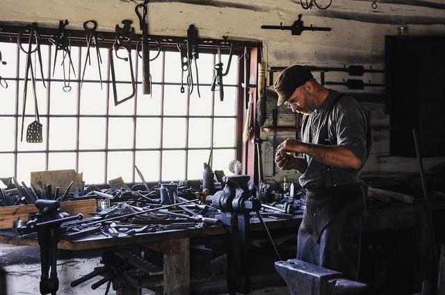 слесарный инструмент мастерская