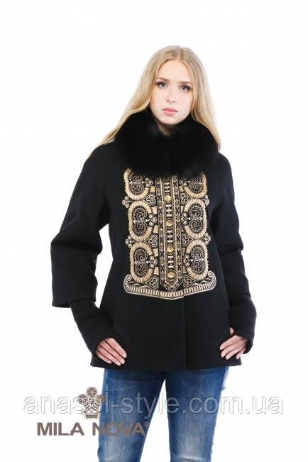 Пальто зимове з орнаментальною вишивкою чорне коротке