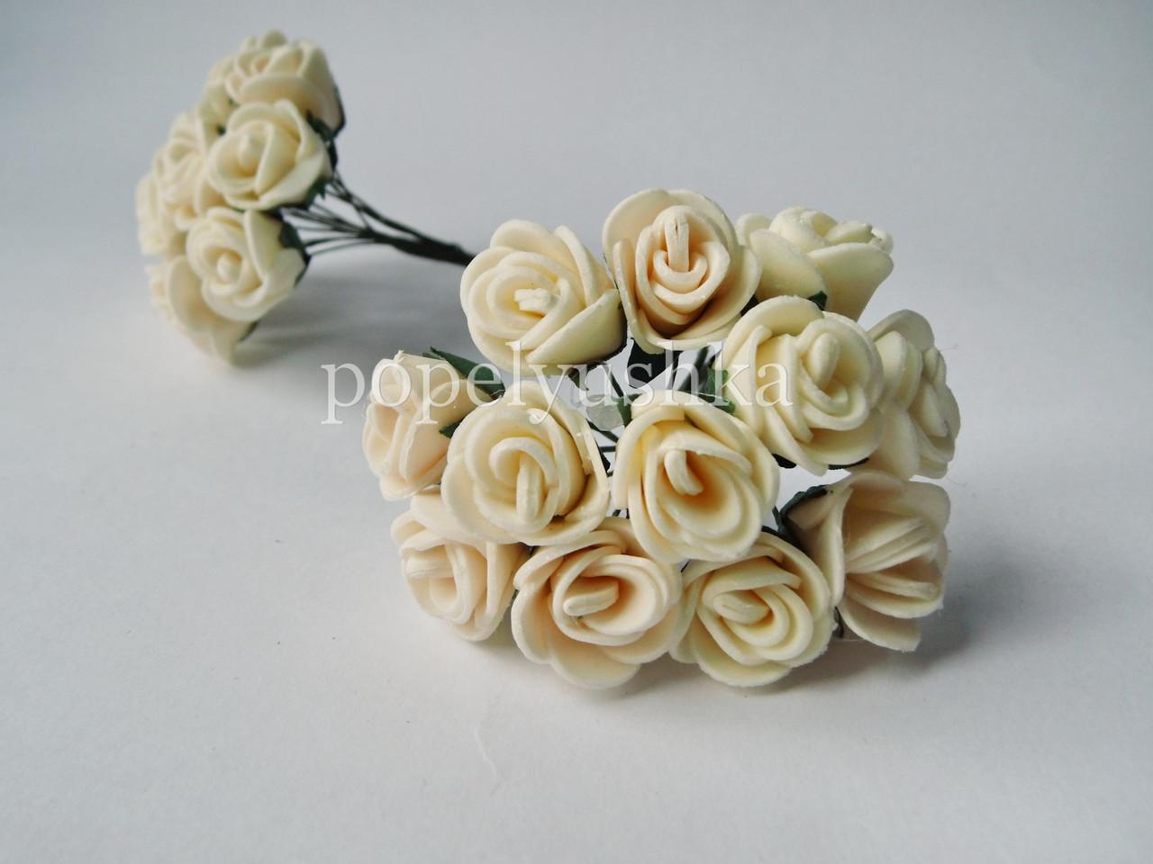 Троянди латексові молочні 2 см