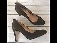 Женские замшевые туфли на каблуке San Marina Португалия 37р
