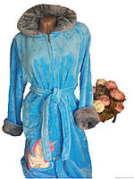 Плюшевый халат голубого цвета р.44