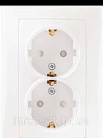 Розетка двойная с заземлением и защитными шторками, белый, Schneider Electric