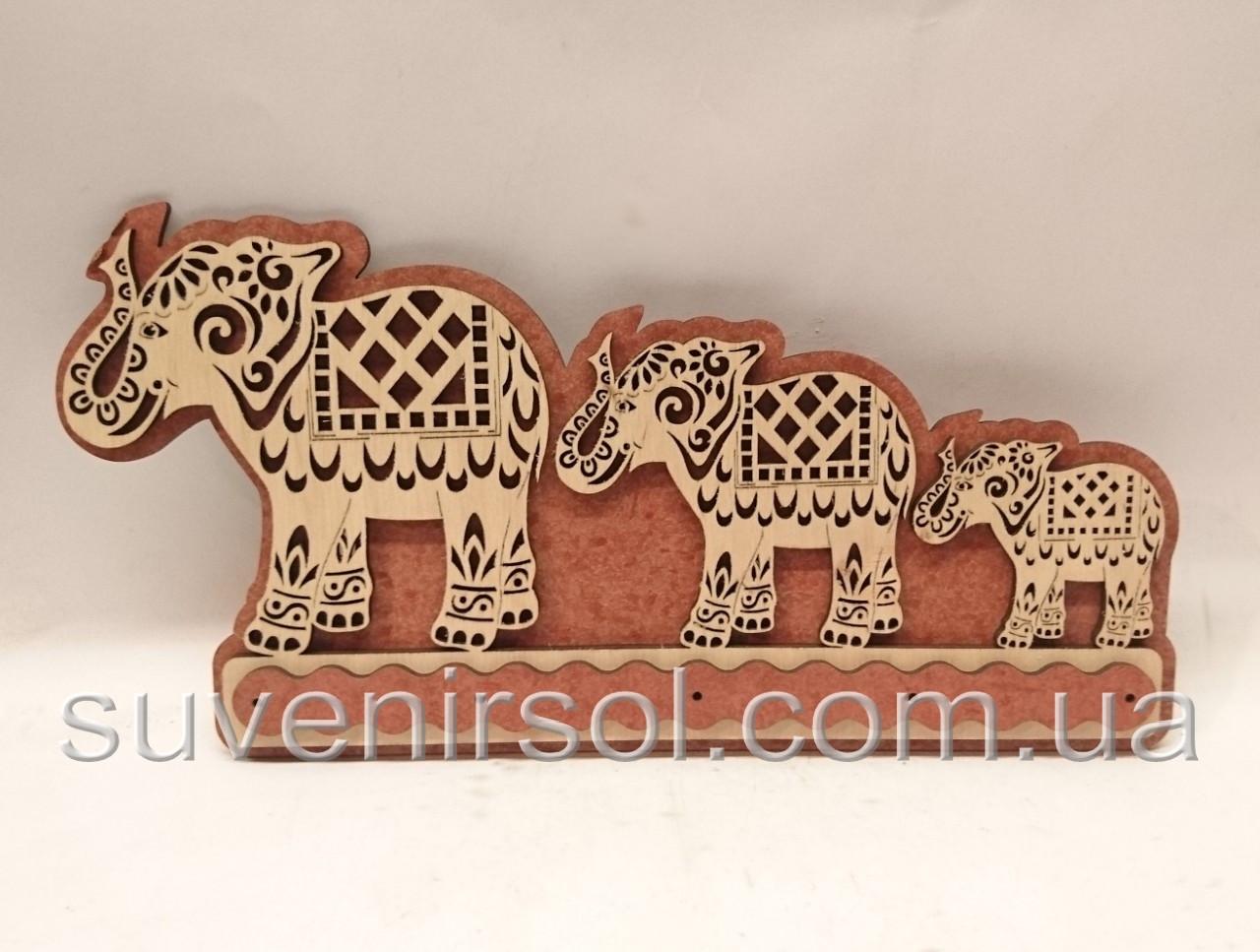 Ключница №30 Слоны
