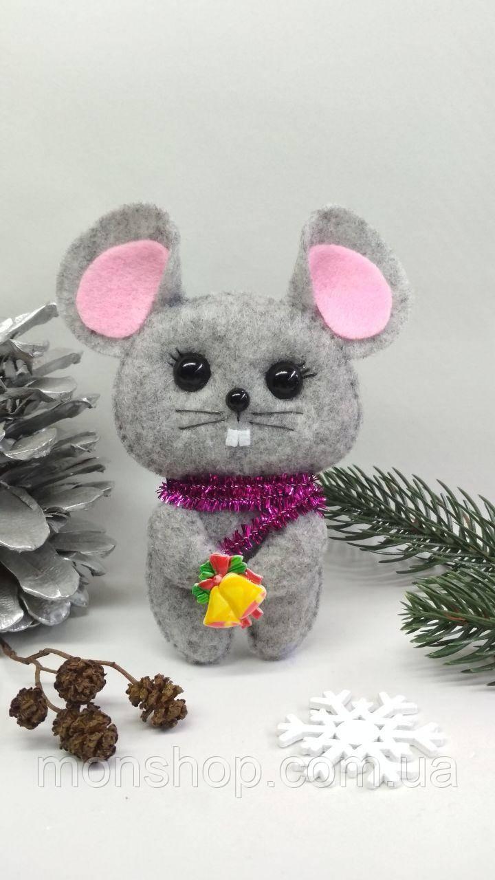 Мышь с колокольчиком