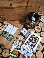 Съедобный подарочный набор (травяной чай, арахисовая паста, халва, шоколад