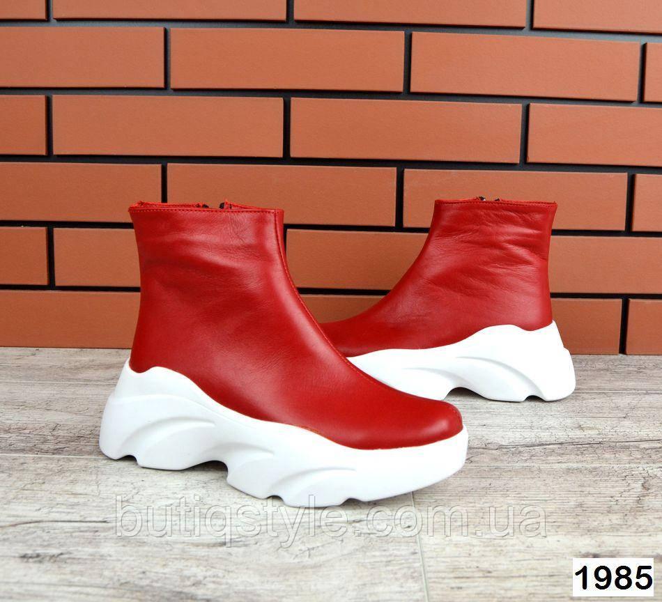 Женские красные ботинки натуральная кожа на платформе Деми