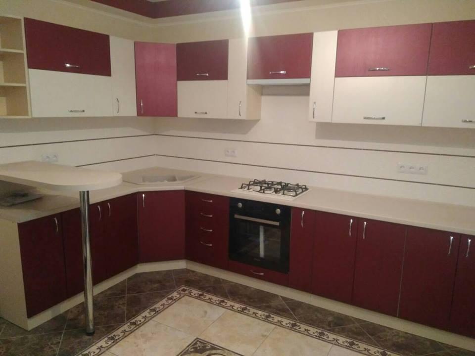 Угловая кухня под заказ с текстурным фасадом 2000*3460 мм.