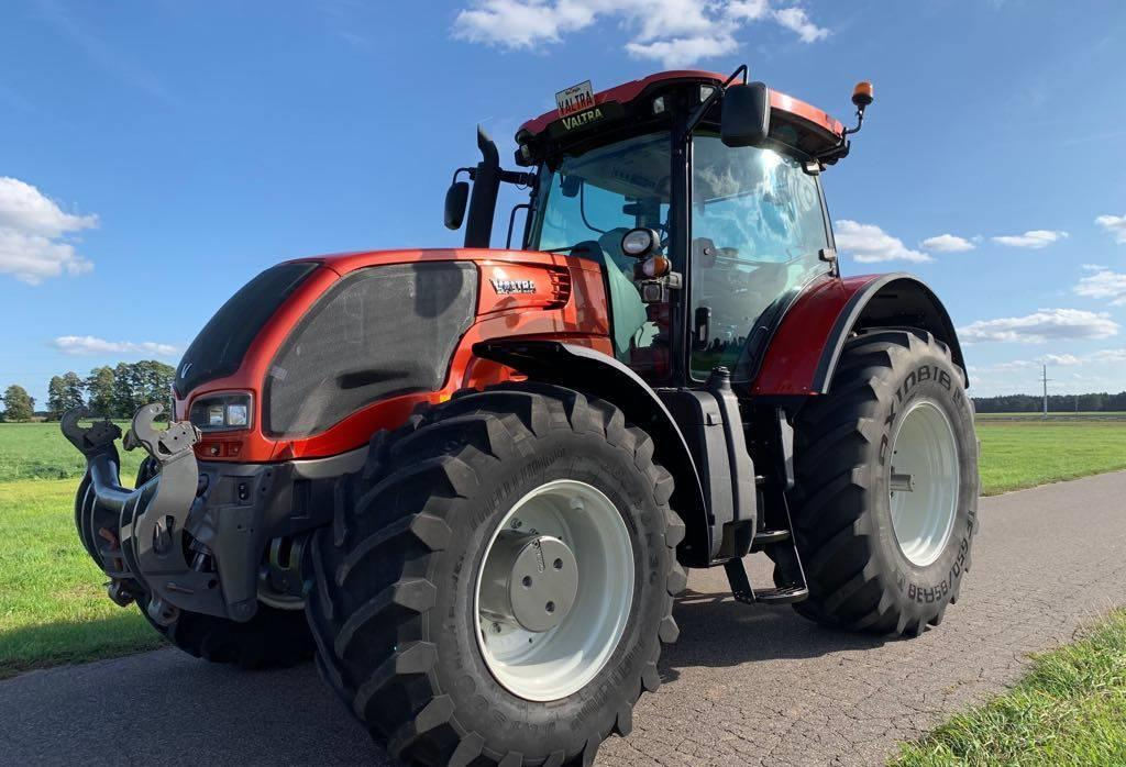 Трактор Valtra S3521, 2011 г.в.