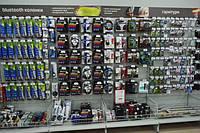 Стеллажи торговые с перфопанелями для аксессуаров в магазин электроники. Торговое оборудование ВИКО Киев, фото 1