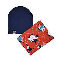 Комплект шапка трикотажная двойная и шарф-хомут флисовый с рисунком