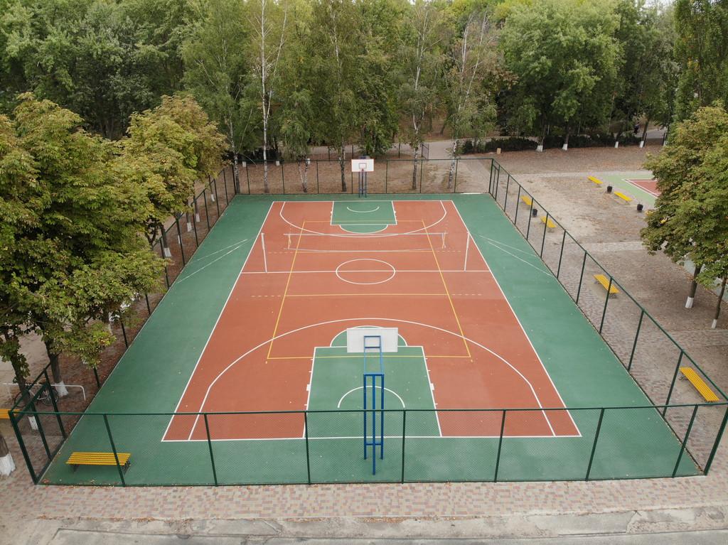 Двухслойное покрытие для спортивной площадки г. Миргород