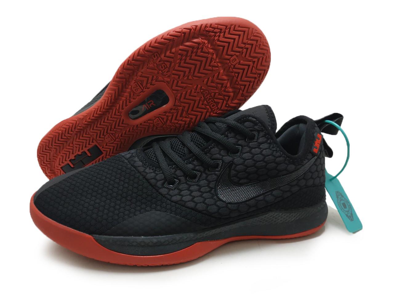Кроссовки мужские Nike Lebron Weetnes3
