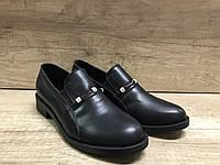 Стильные женские туфли на низком ходу из натуральной кожи черные VIKTTORIO
