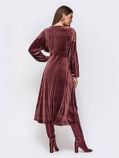 Элегантное платье из фактурного велюра с V-образным вырезом горловины розмір 44 46 48, фото 3