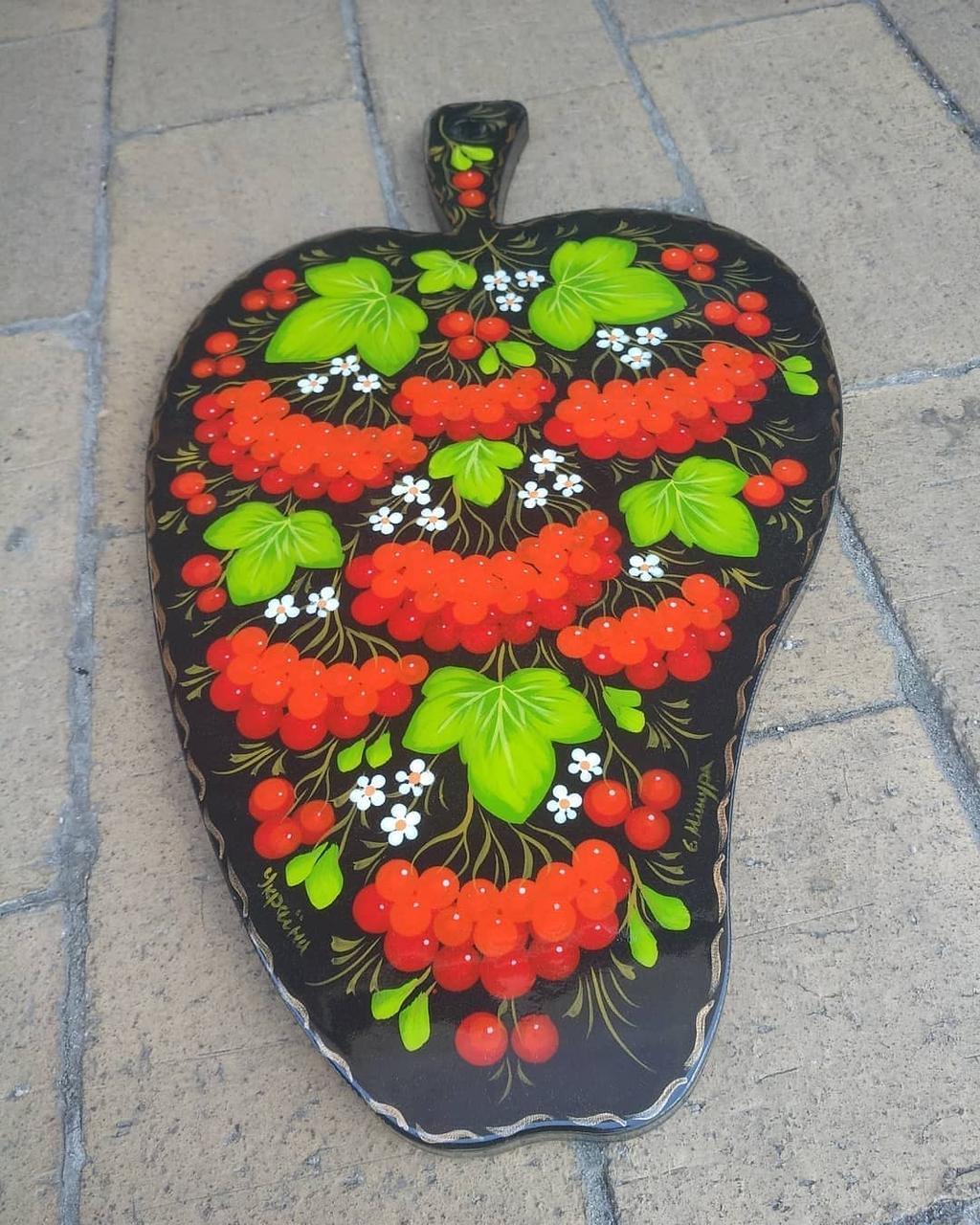 Декоративна дощечка з петриківським розписом