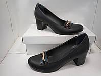 Туфли женские кожаные на каблучке.
