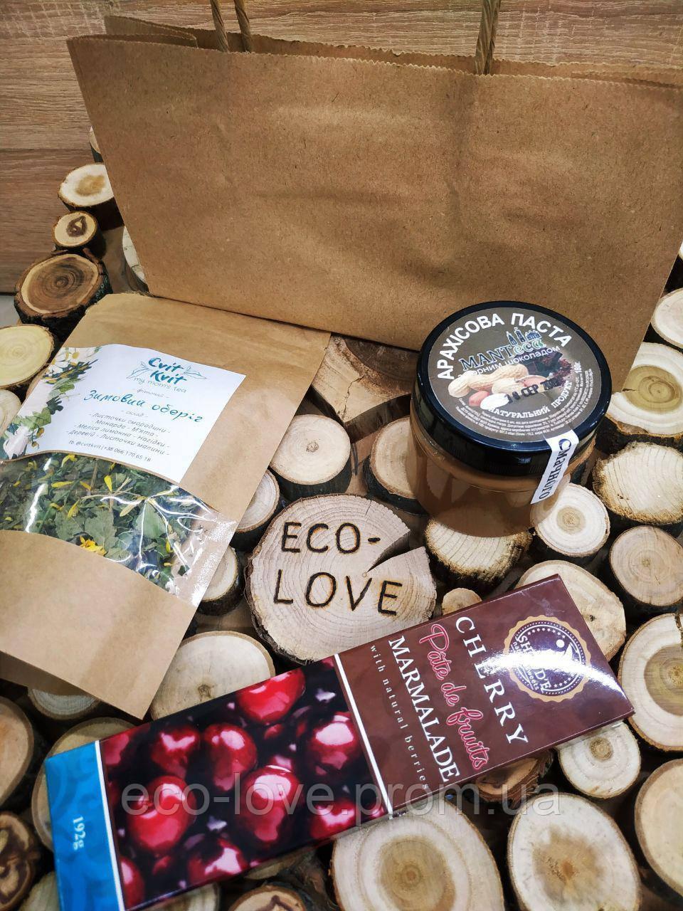 Їстівний подарунковий набір (трав'яний чай, арахісова паста, мармелад вишневий
