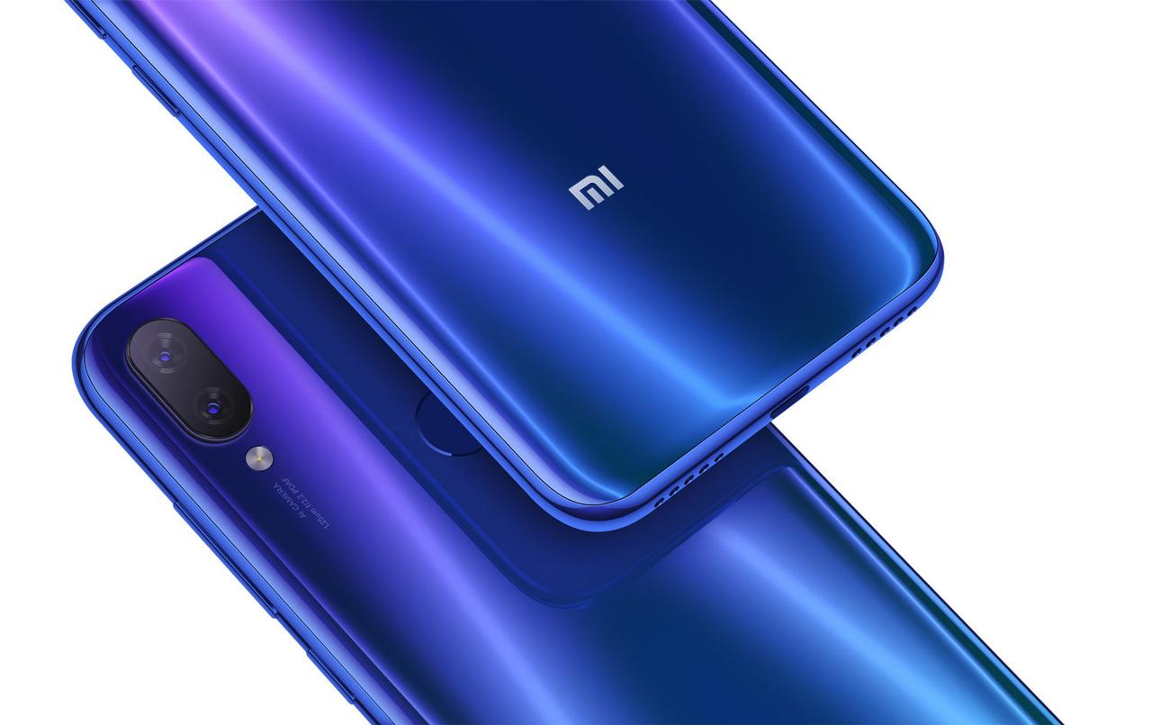 Xiaomi Mi Play 4/64Gb синий с защитным чехлом .
