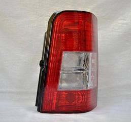 Правый задний фонарь кузов 2 DOOR белая вставка без платы Пежо Партнер 05-07 / PEUGEOT PARTNER (2002-2007)
